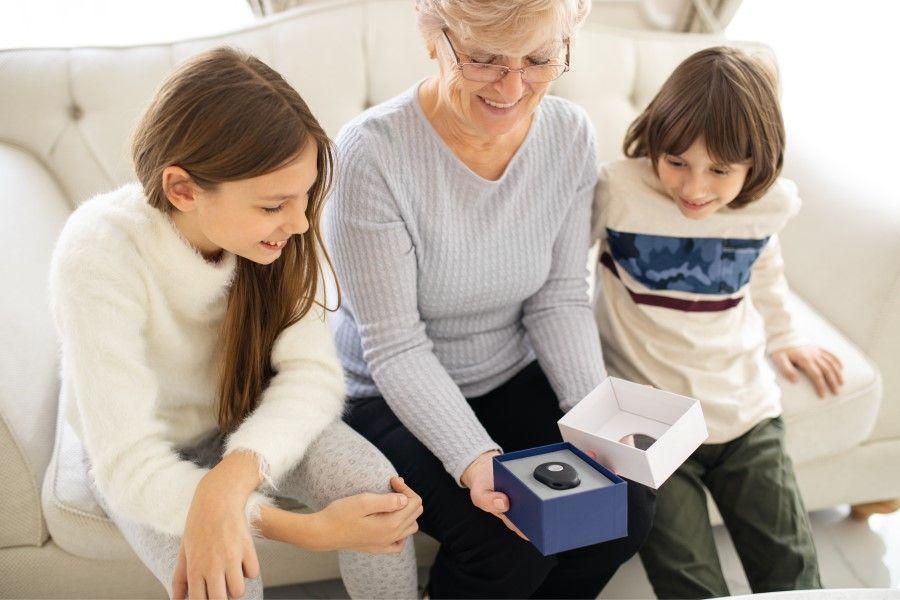 Hoe werkt het alarm voor ouderen?